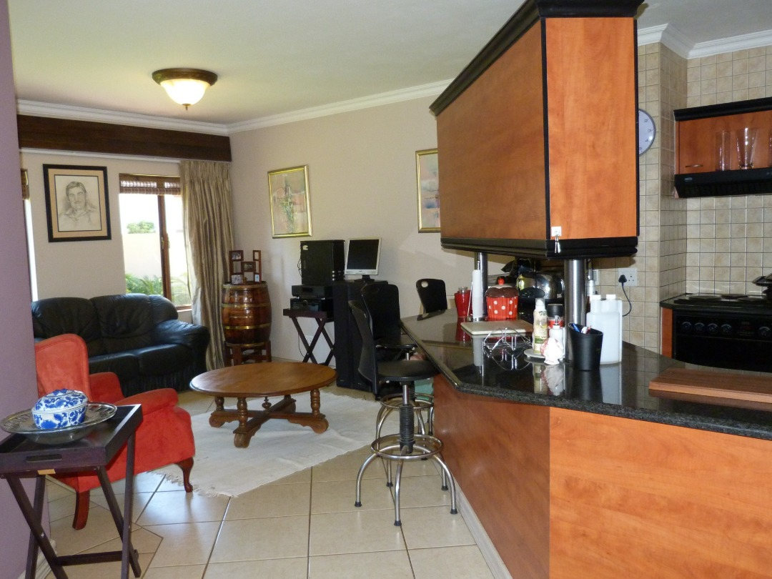 Townhouse For Sale in Six Fountains Residential Estate