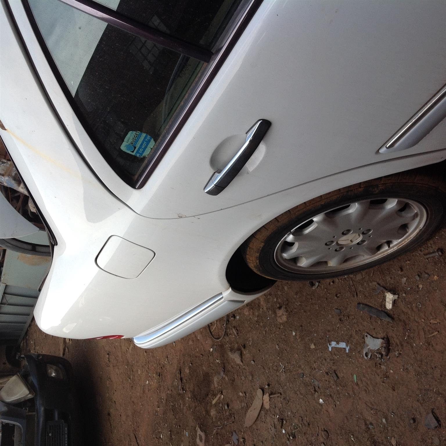 Stripping Mercedes-Benz W210 E280 V6 1997 for Spares | Junk Mail