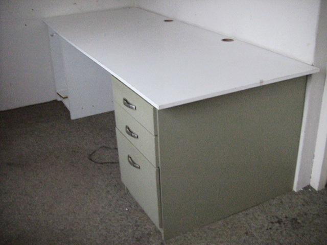 info for 52a63 864bd Melamine Desk top White | Junk Mail