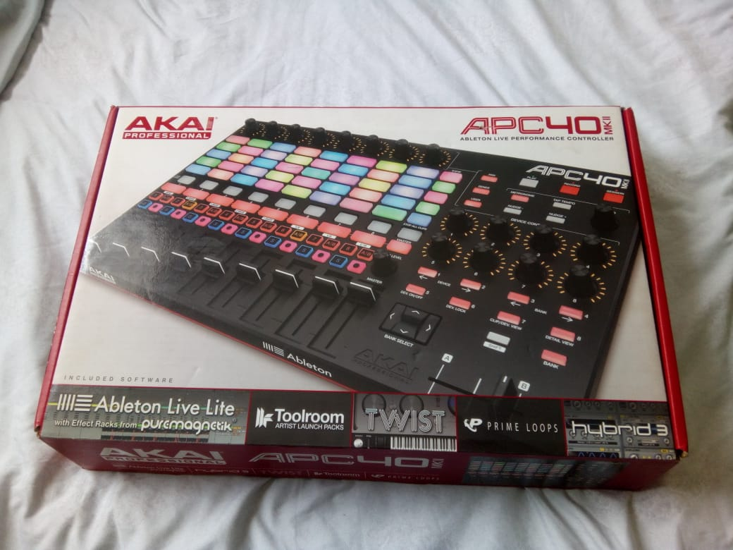 I Am sell a Akia Apc 40mkll midi controller. Sell price is R5500 i paid 8500 it's almost band me.