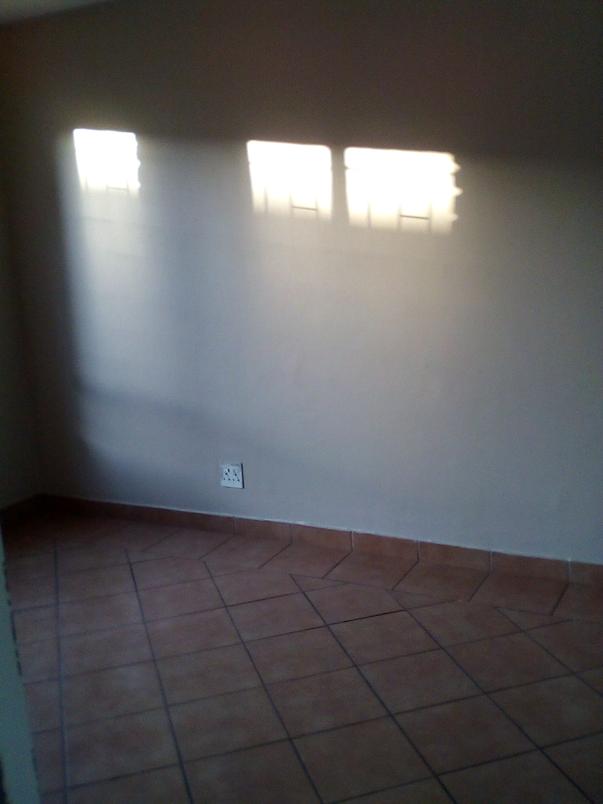 Modern 1 Bedroom flat, nearby Unitas Hospital, Schools and Shopping Centres - Lyttleton Centurion