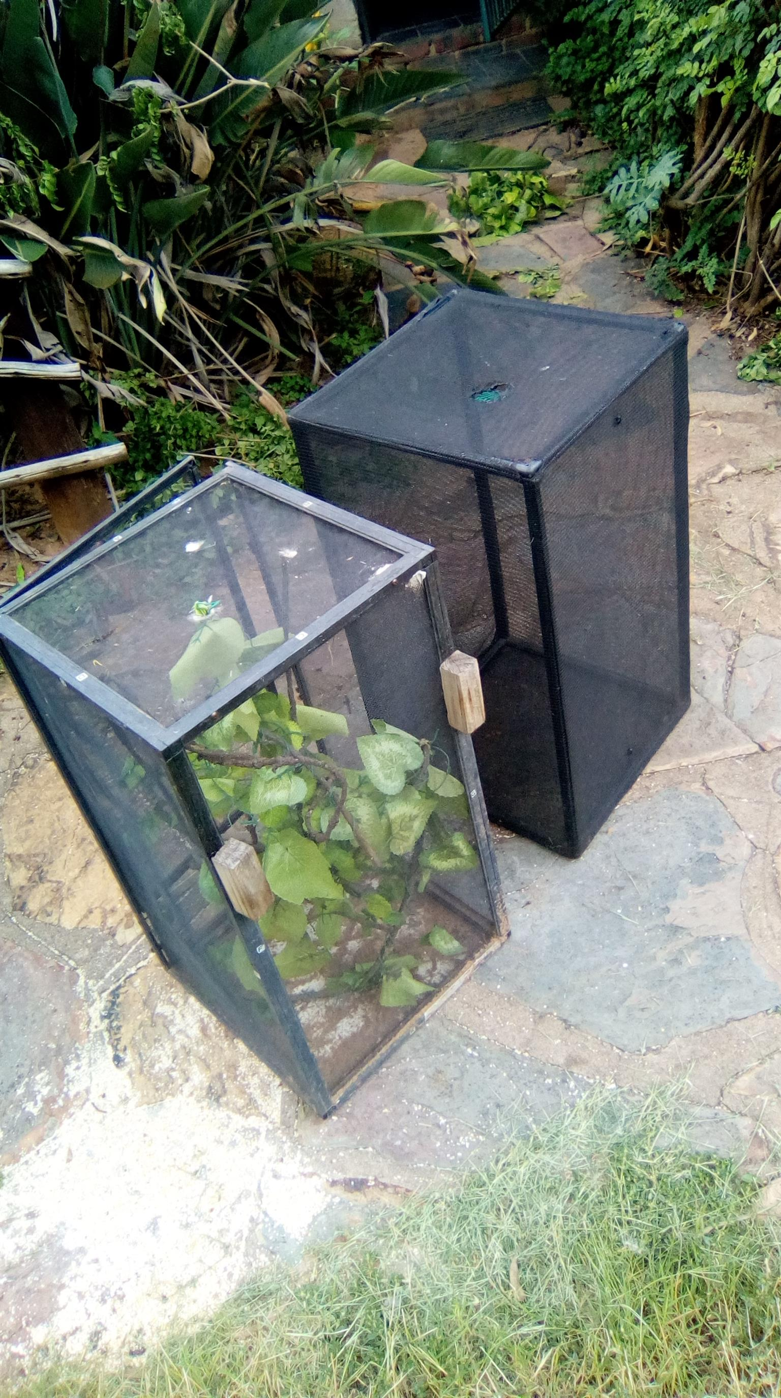 2 X reptile cages Approx. 660MMhigh  x 410mm length
