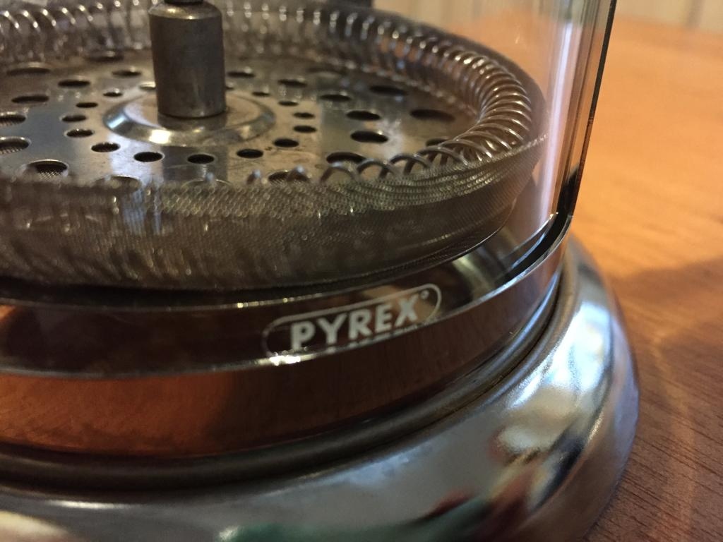 Pyrex Coffee plunger - 2-3 cup capacity - Warm up with a good coffee!