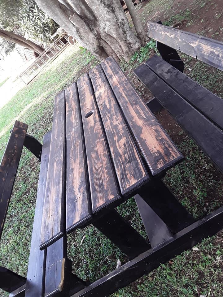 Beautiful 8 seater bench