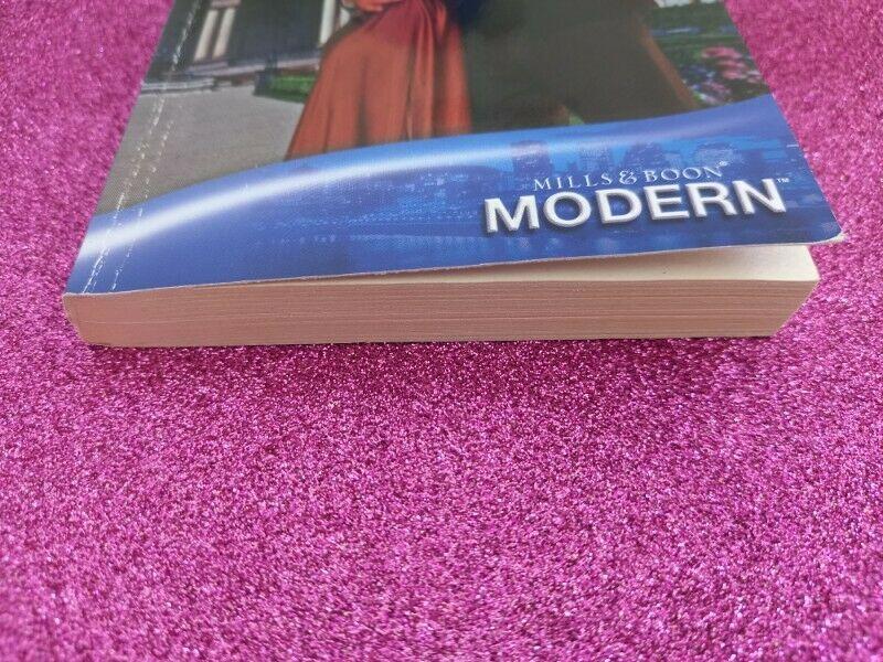 Mills & Boon - Modern - Robyn Donald - REF: 4772.