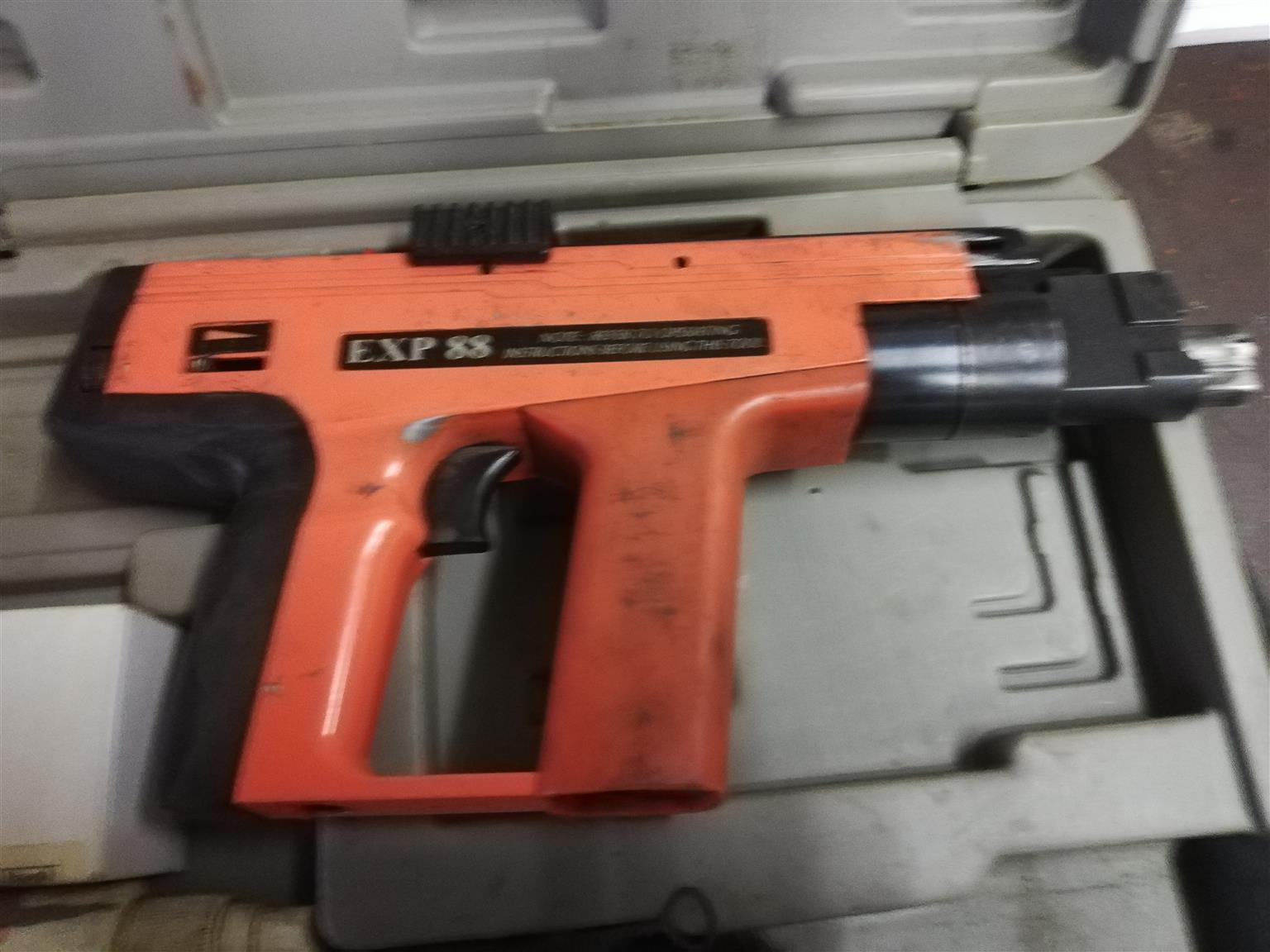 Ficher EXP 88 power actuated nail gun