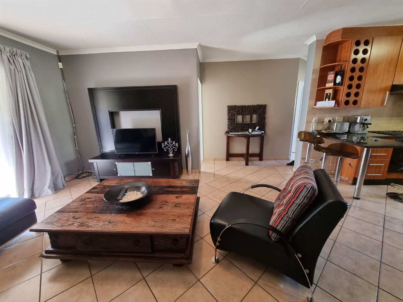 Townhouse For Sale in BEDFORDVIEW