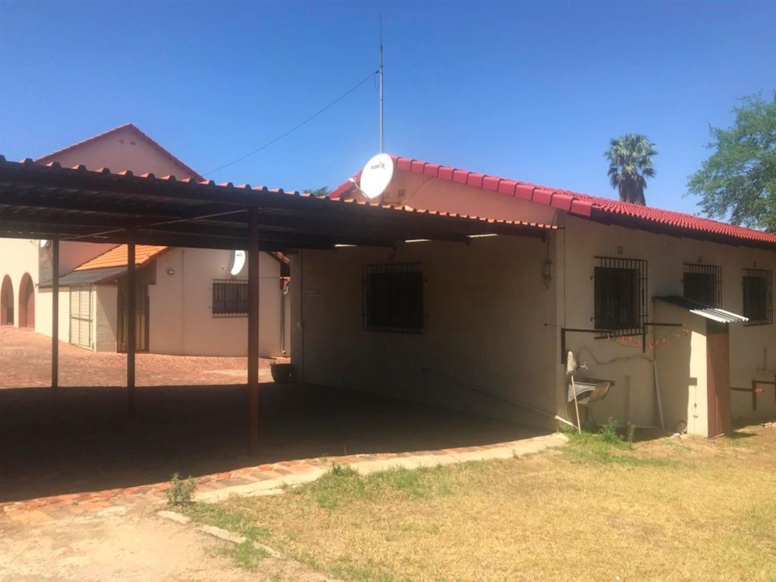Flat Rental Monthly in BUCCLEUCH