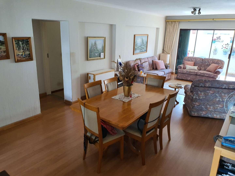 Apartment For Sale in Glenvista