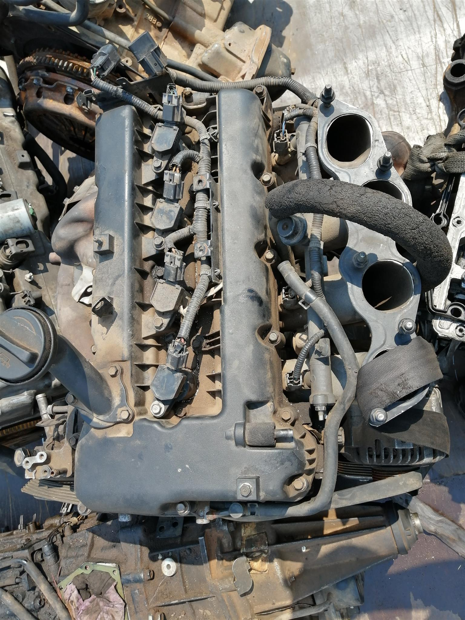Stripping Hyundai h 1 bus engine for spares