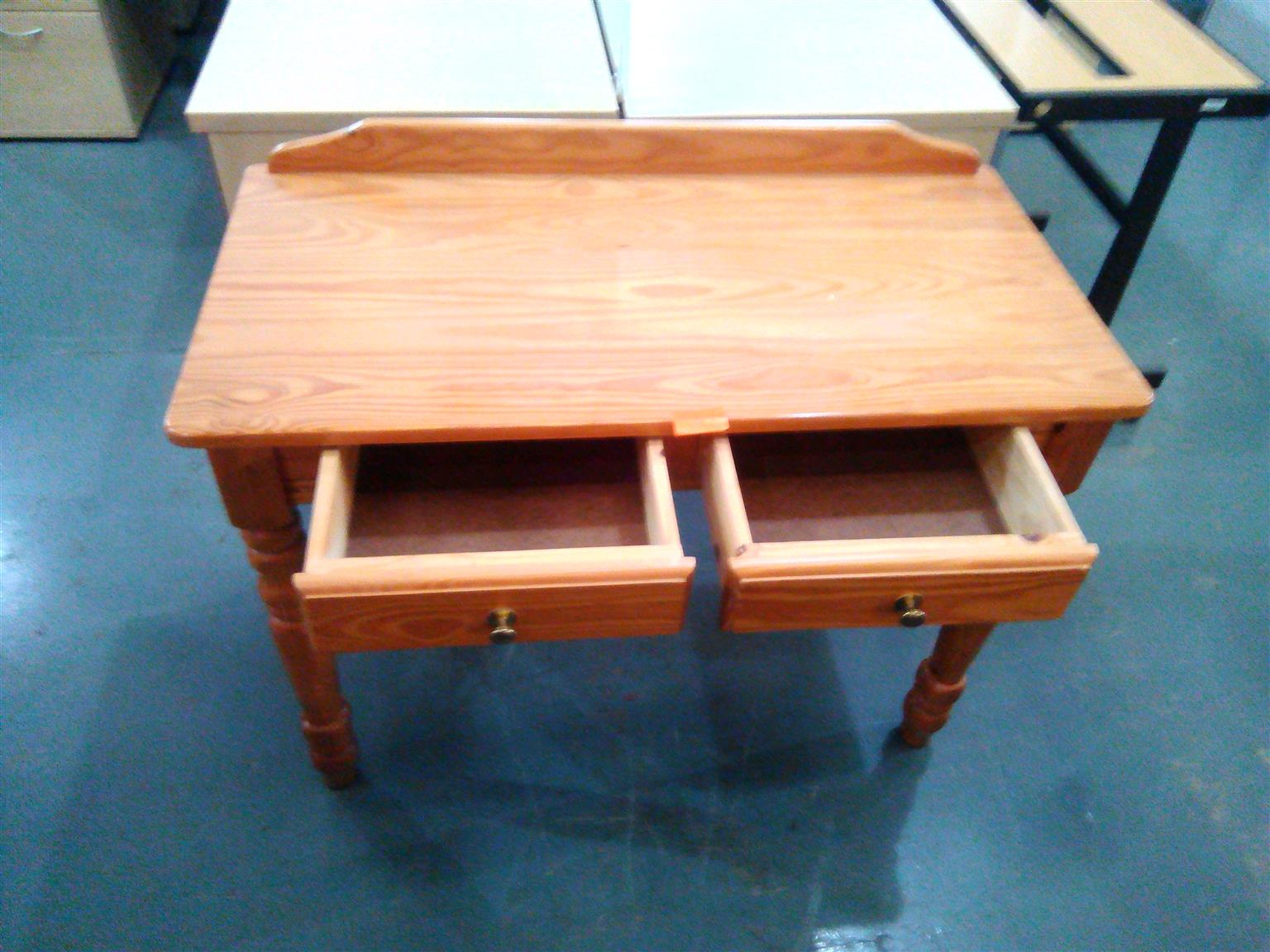 Straight desk with 2 drawers Oak veneer