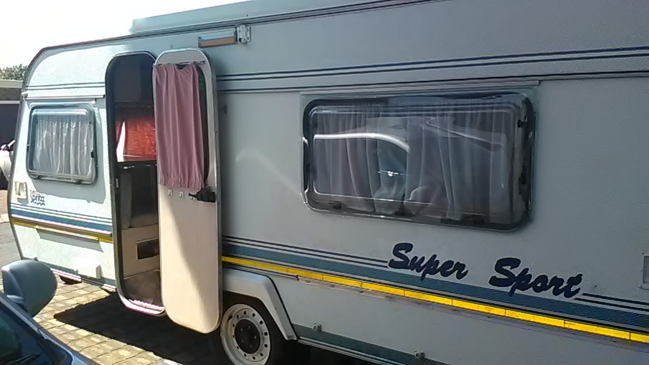 SPRITE SUPER SPORT 1994 MODEL IN VEREENIGING TEL NR 0835818449 WITH FULL TENT AND RALLY TENT IN EXCELLENT CONDITION MUST BE SEEN