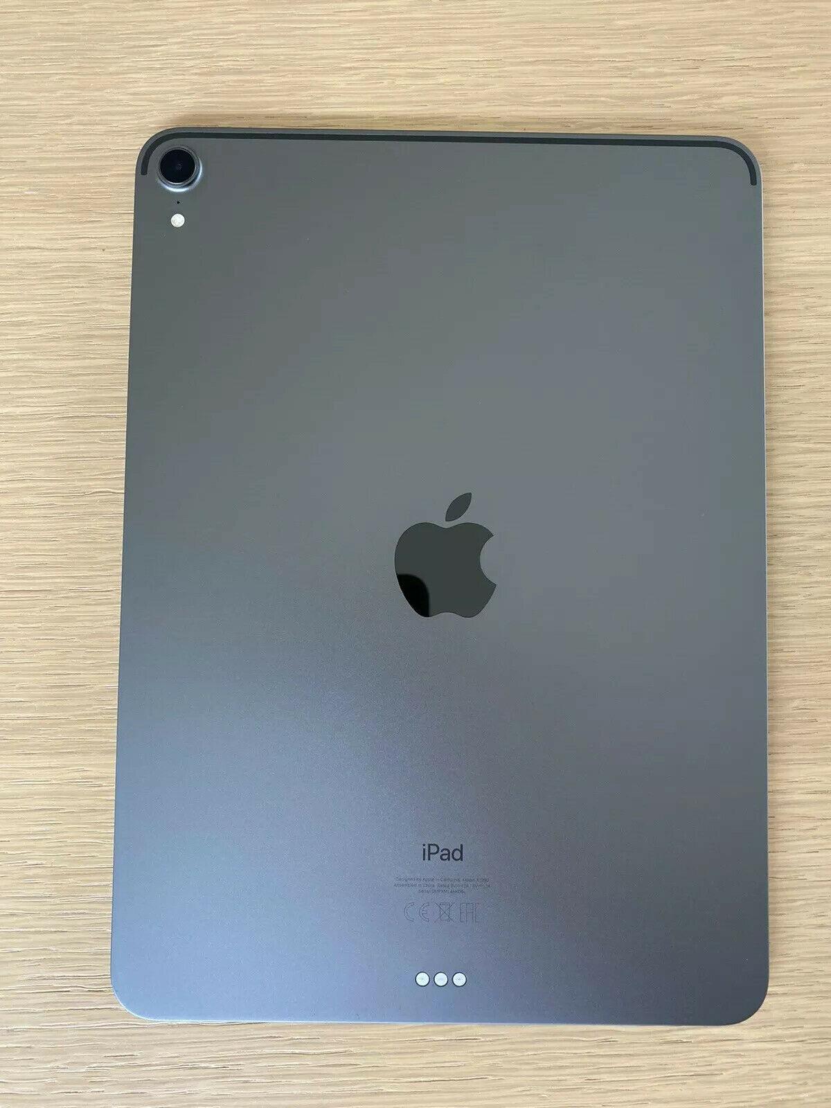 Apple iPad Pro 11 inch WiFi 256 GB - space gray - orig. Packing - like NEW!