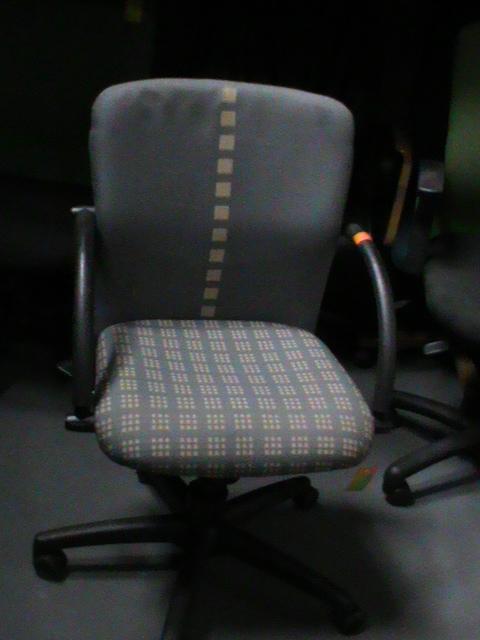 Light/blue m/b fabric chair