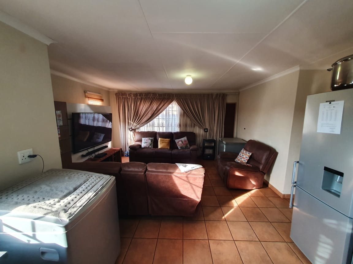 House For Sale in Sky City