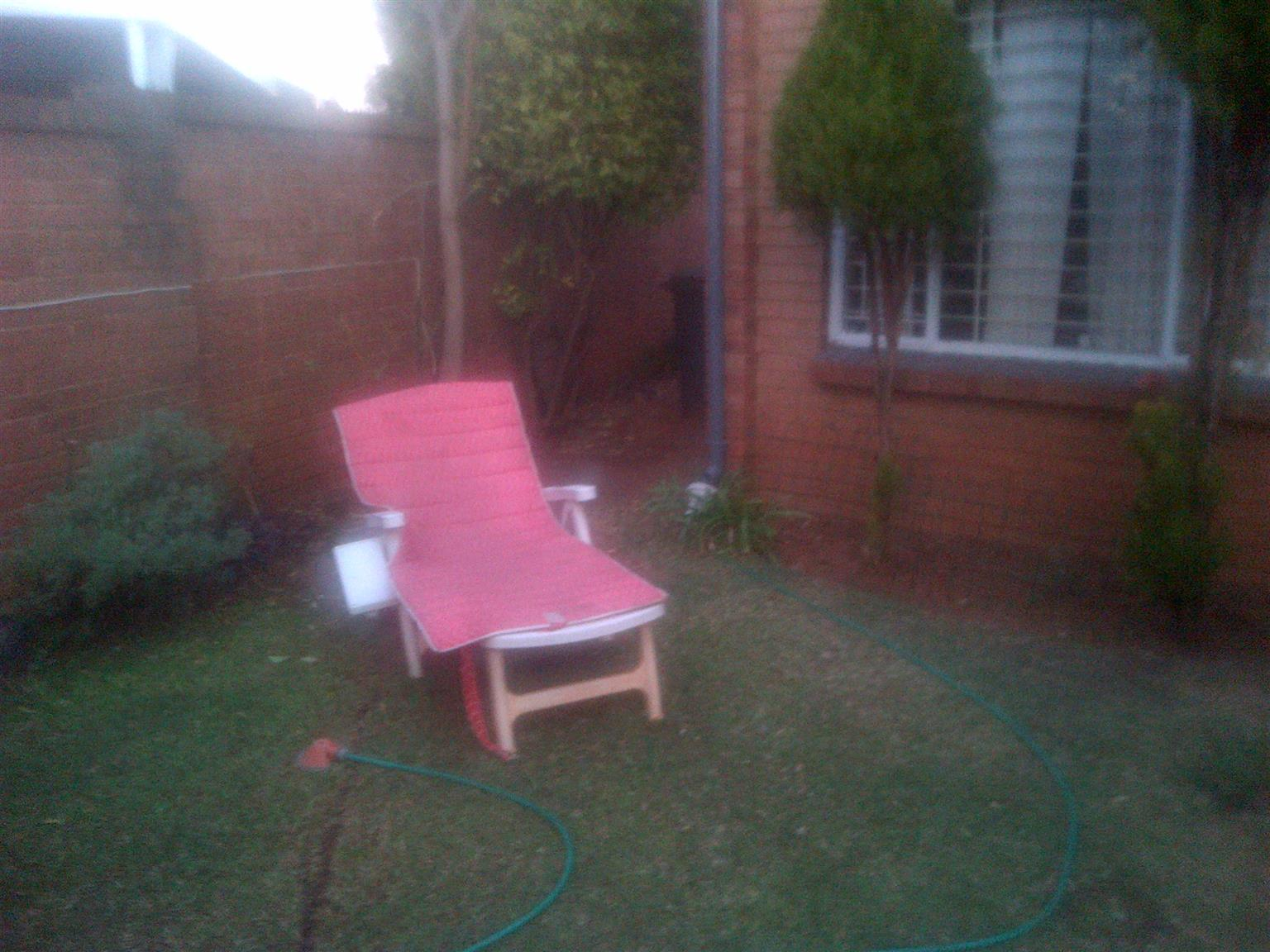 FURNISHED BEDROOM - PRETORIA EAST - EMPLOYED LADIES ONLY