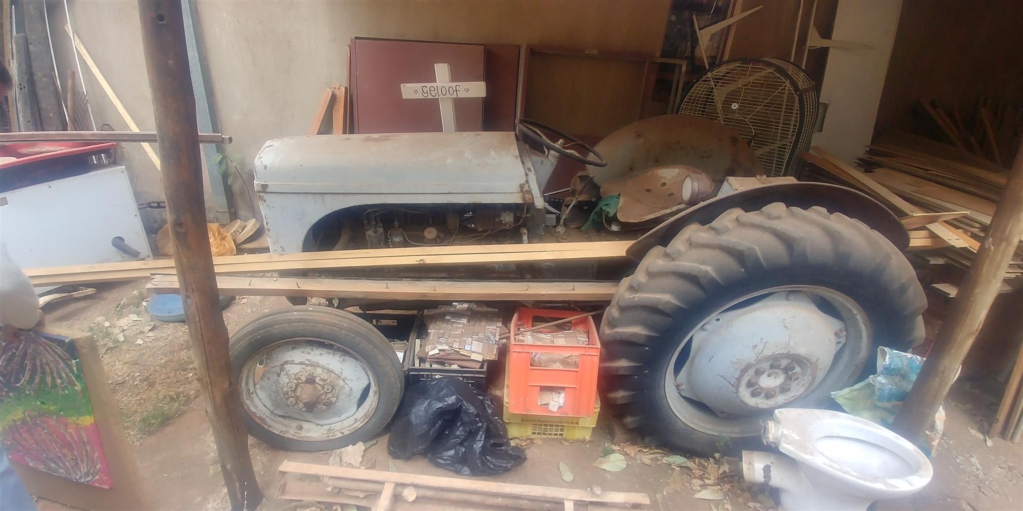 Vaaljapie tractor
