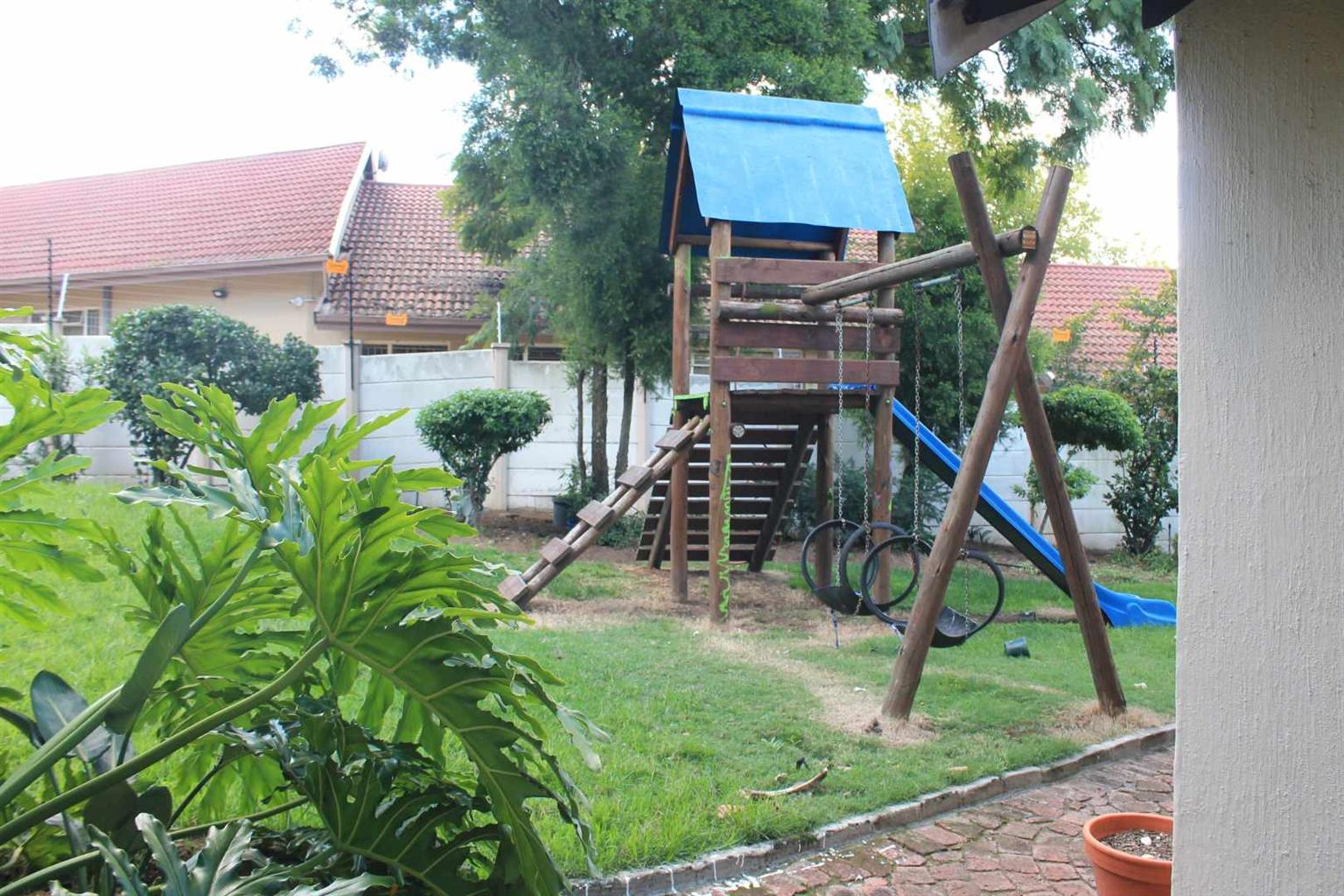 Cottage Rental Monthly in Kelvin