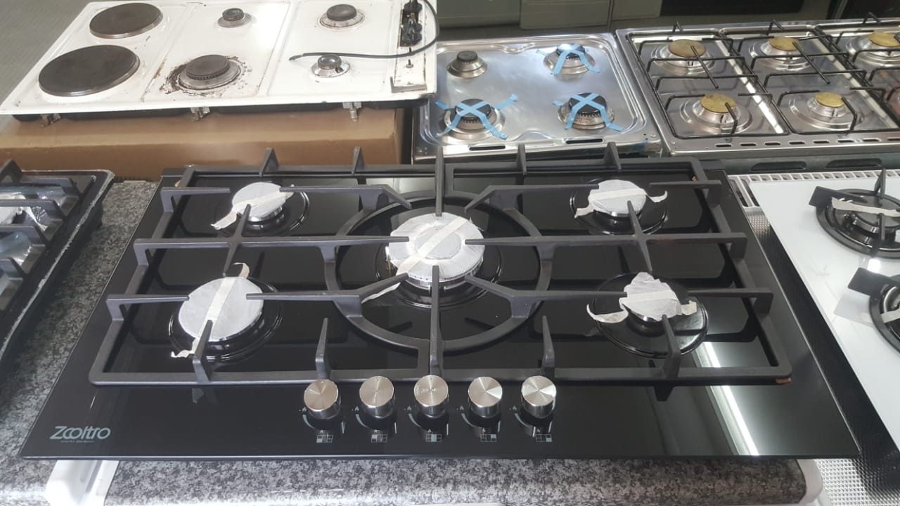 GAS HOB 5 BURNER GLASS
