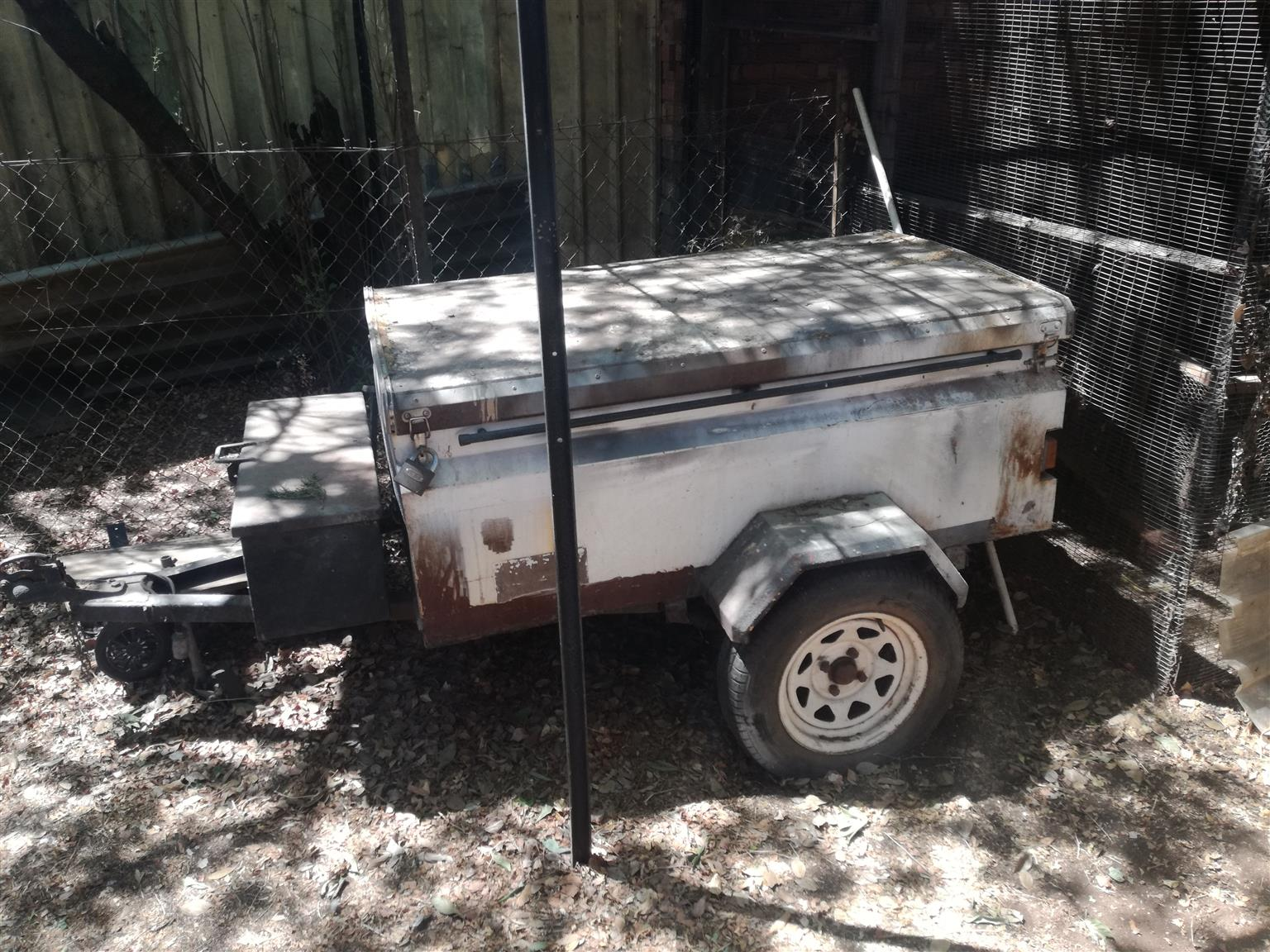 Trailer without papers