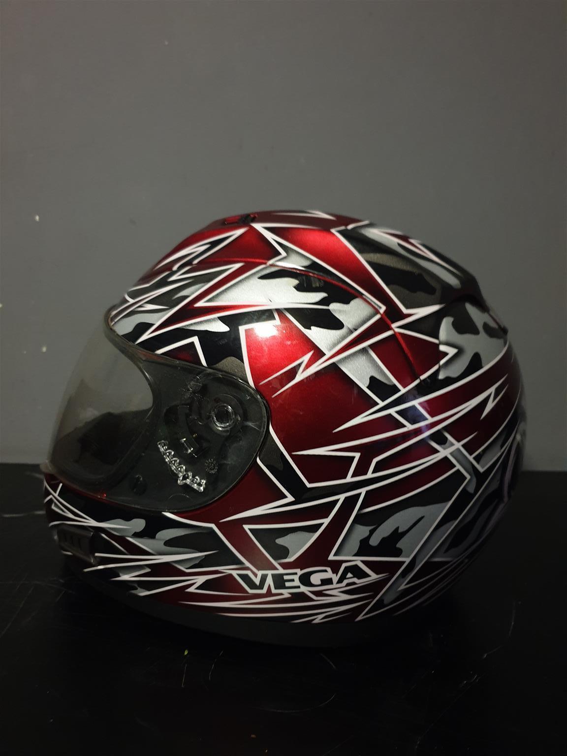 Vega ALTURA helmet