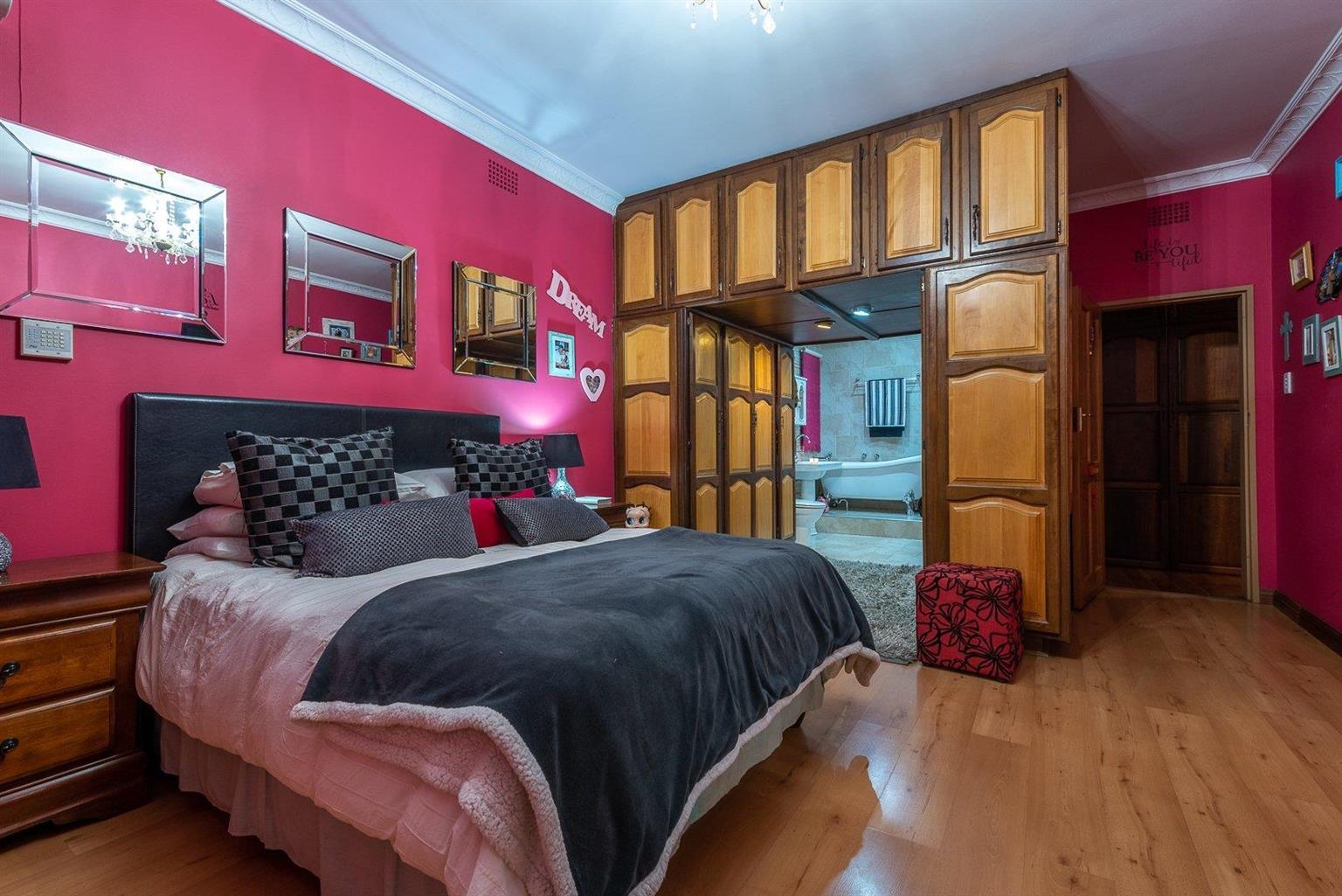 House For Sale in Alberante