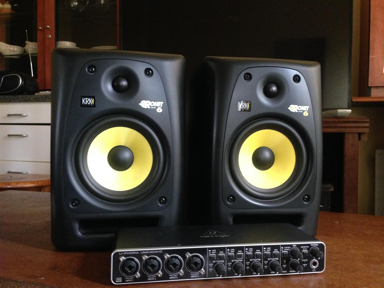 KRK 6 & 4x4 Behringer USB Audio Interface