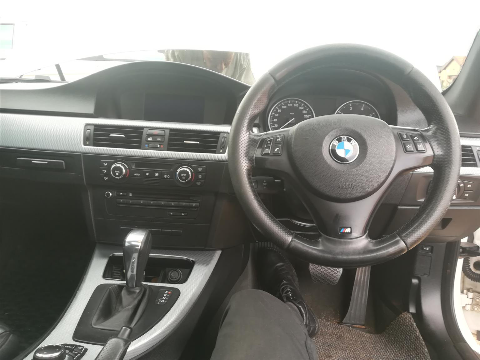 2009 BMW 3 Series 320i coupé auto