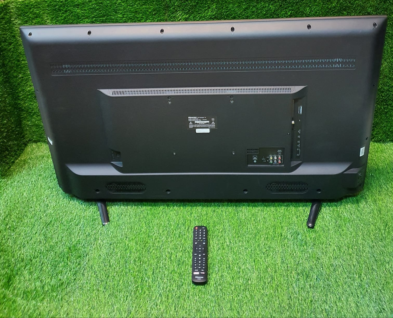 Hisense 50 inch uhd smart led tv as new
