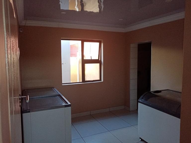 Office For Sale in Soshanguve DD