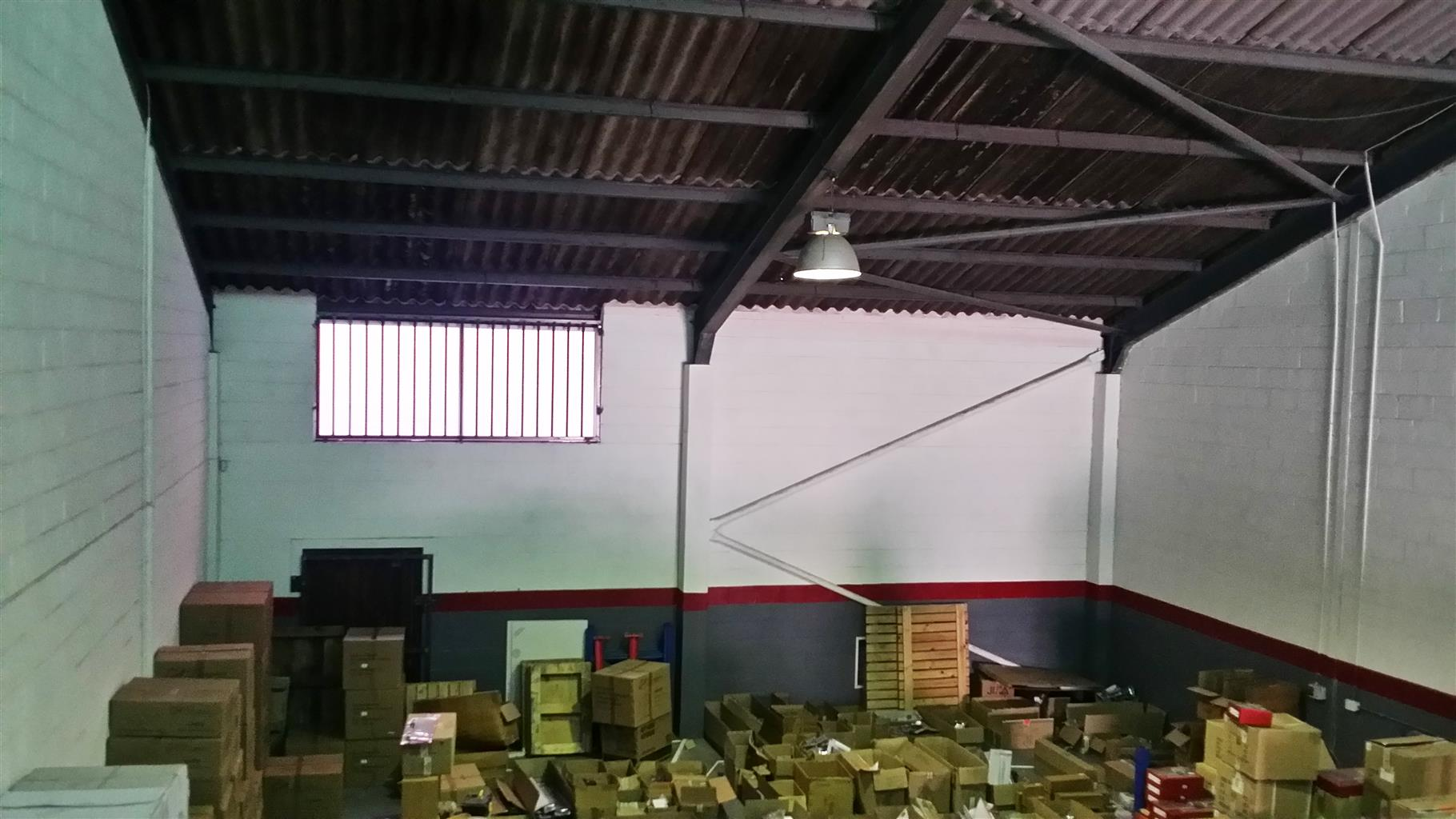 MONTAGUE GARDENS: 350m2 Warehouse To Let