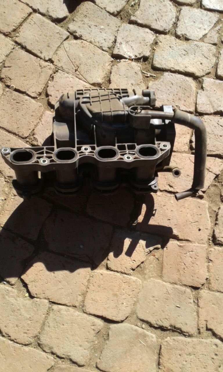 hyundai i 20 G4FA engine parts