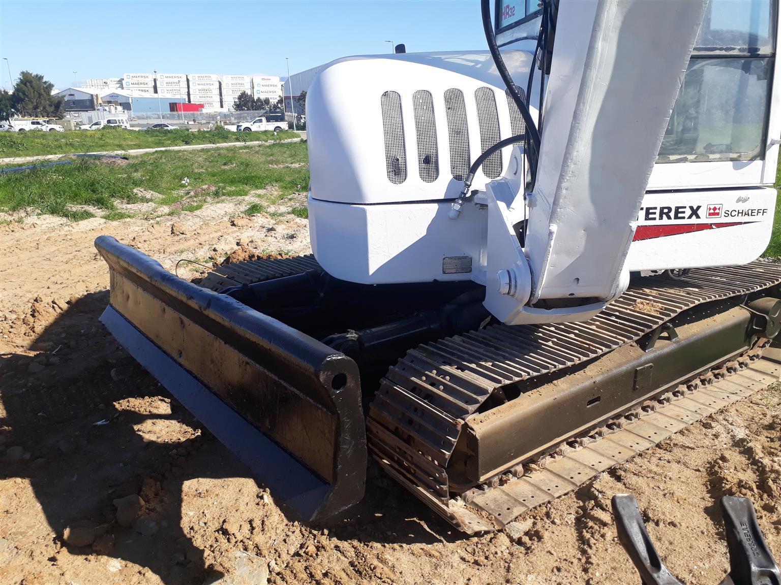 Terex HR32 , 7.5 tonne excavator