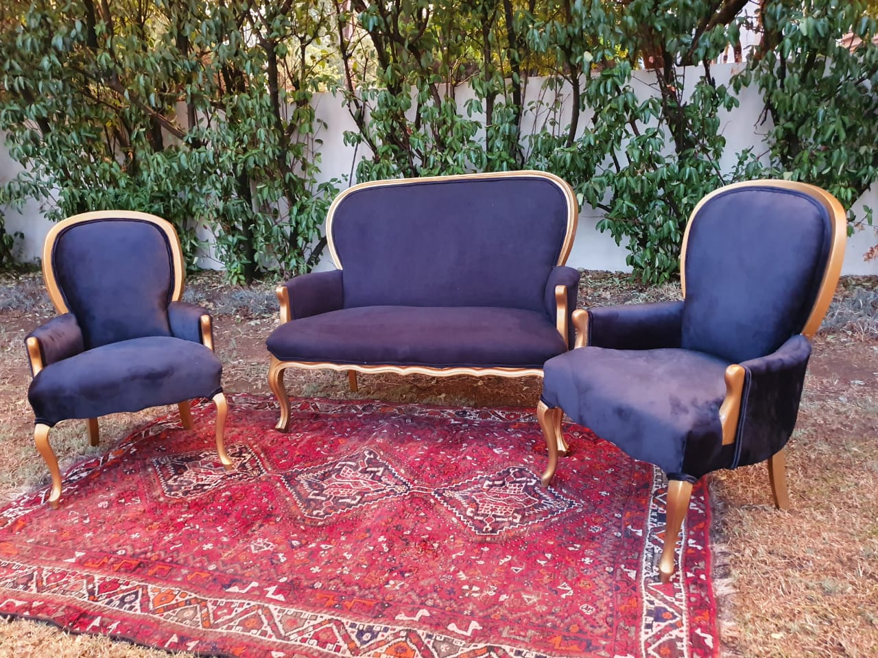 Victorian Style Furniture With Queen Anne Feet 3 Piece Set