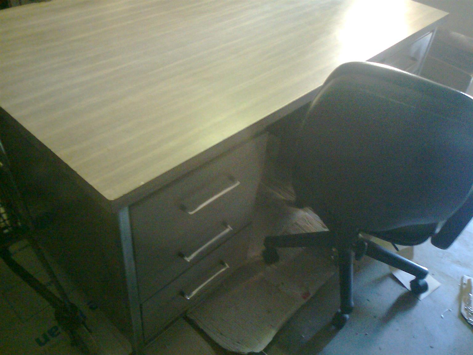 DESK (Strong Krost Brothers Steel Desk) with solid and large 6 drawers FOR SALE