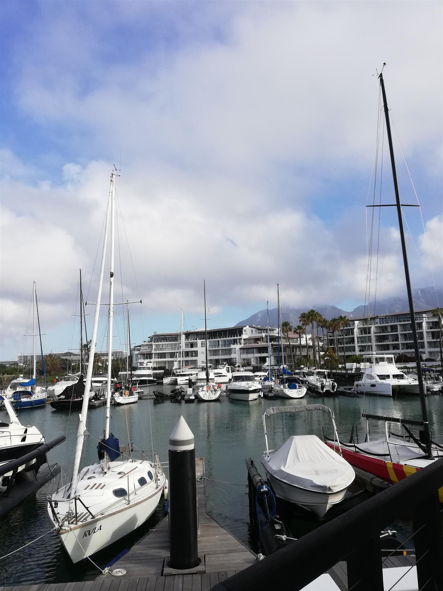 26 ft Theta sailboat