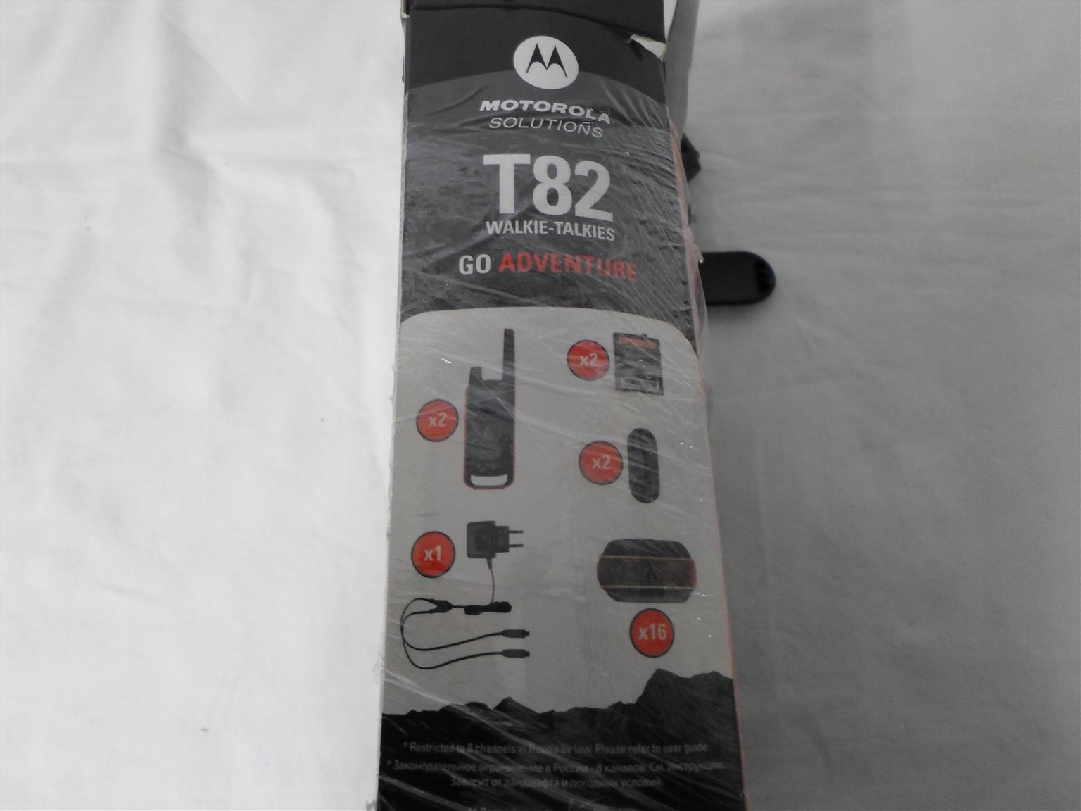Motorola T82 Walkie Talkie