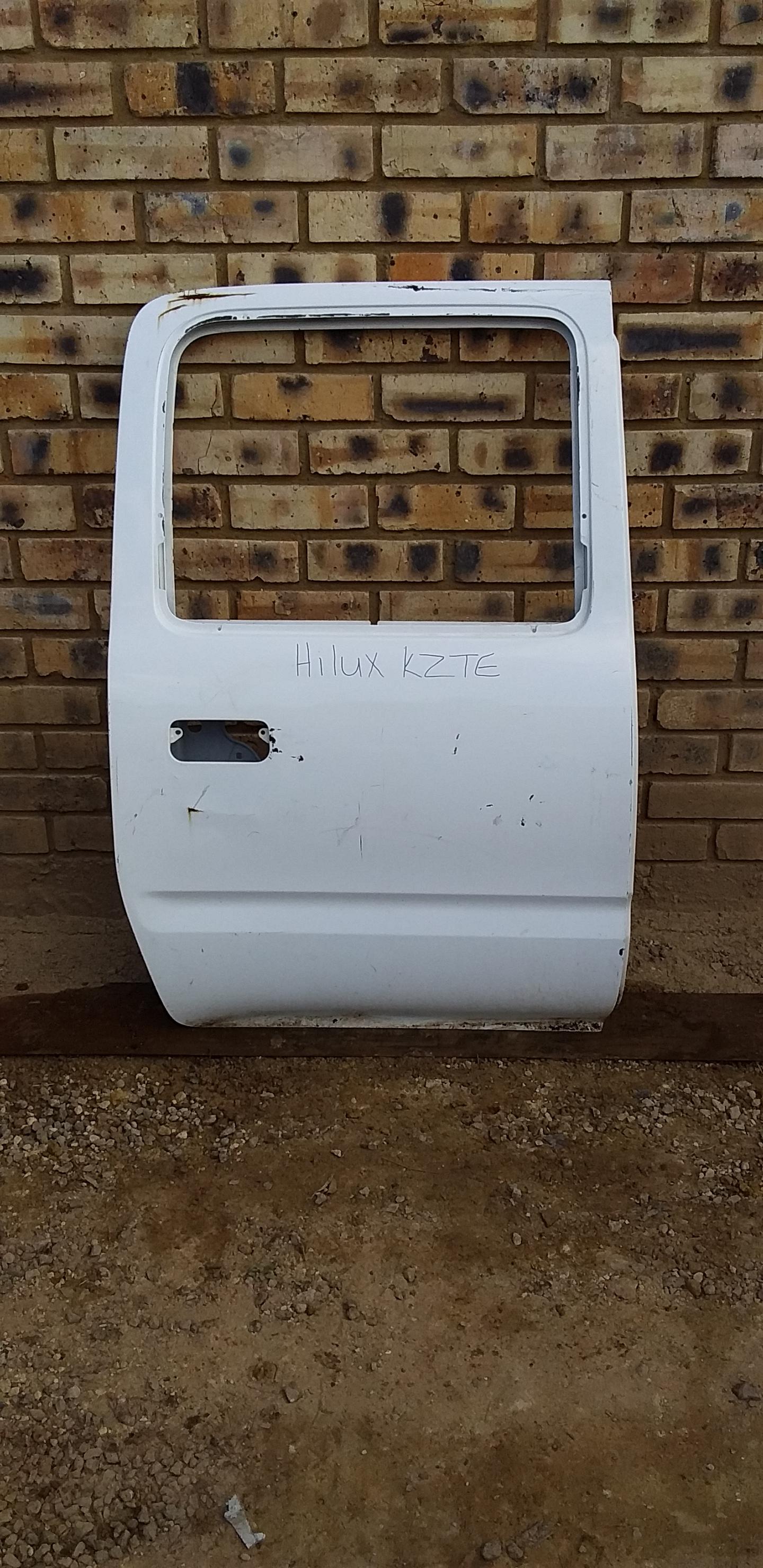 Toyota Hilux KZTE Shape Door