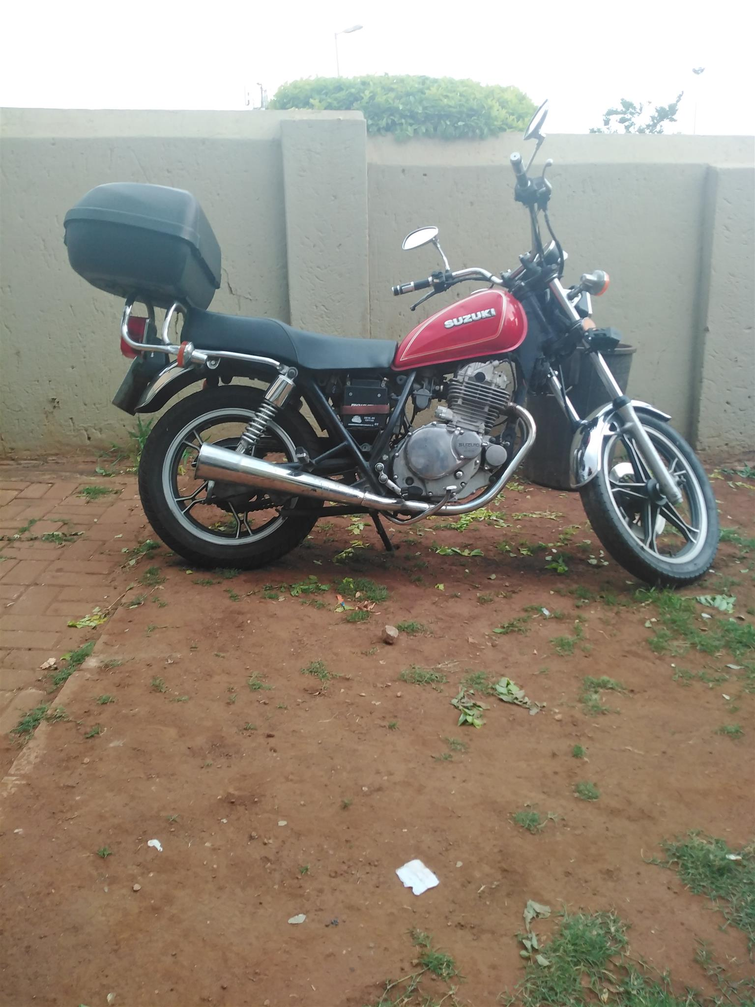 I am selling a Suzuki GN 250cc in good condition all papers in order and valid