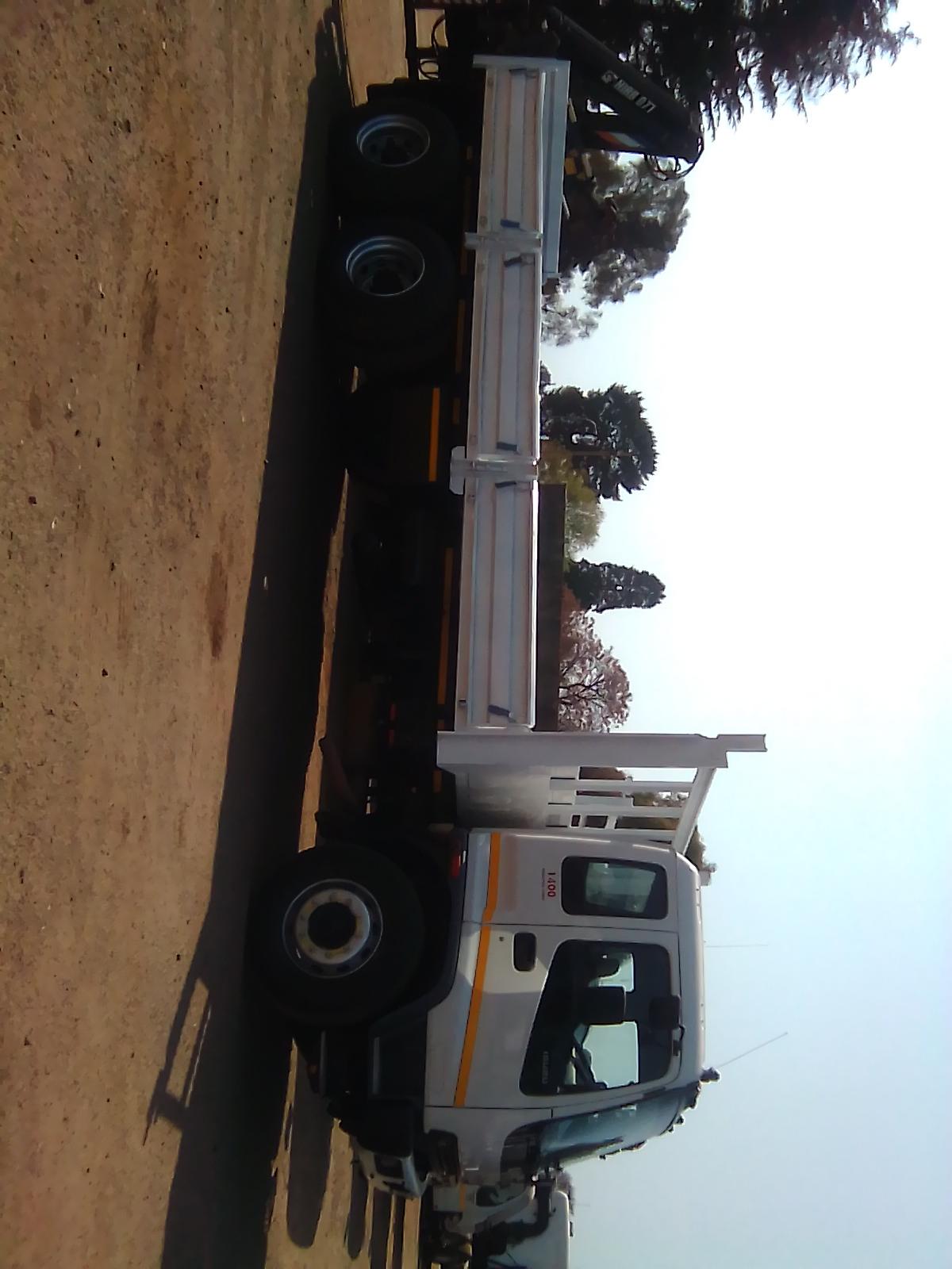 10 Ton Truck with Crane