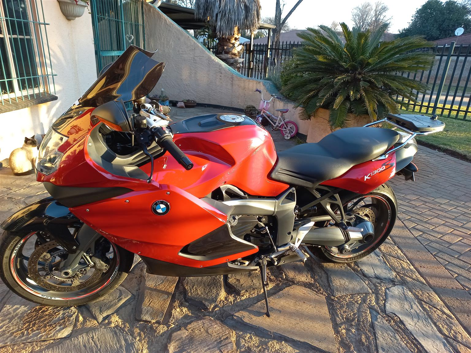2011 BMW K1300S. Very good condition. Come with bike cover