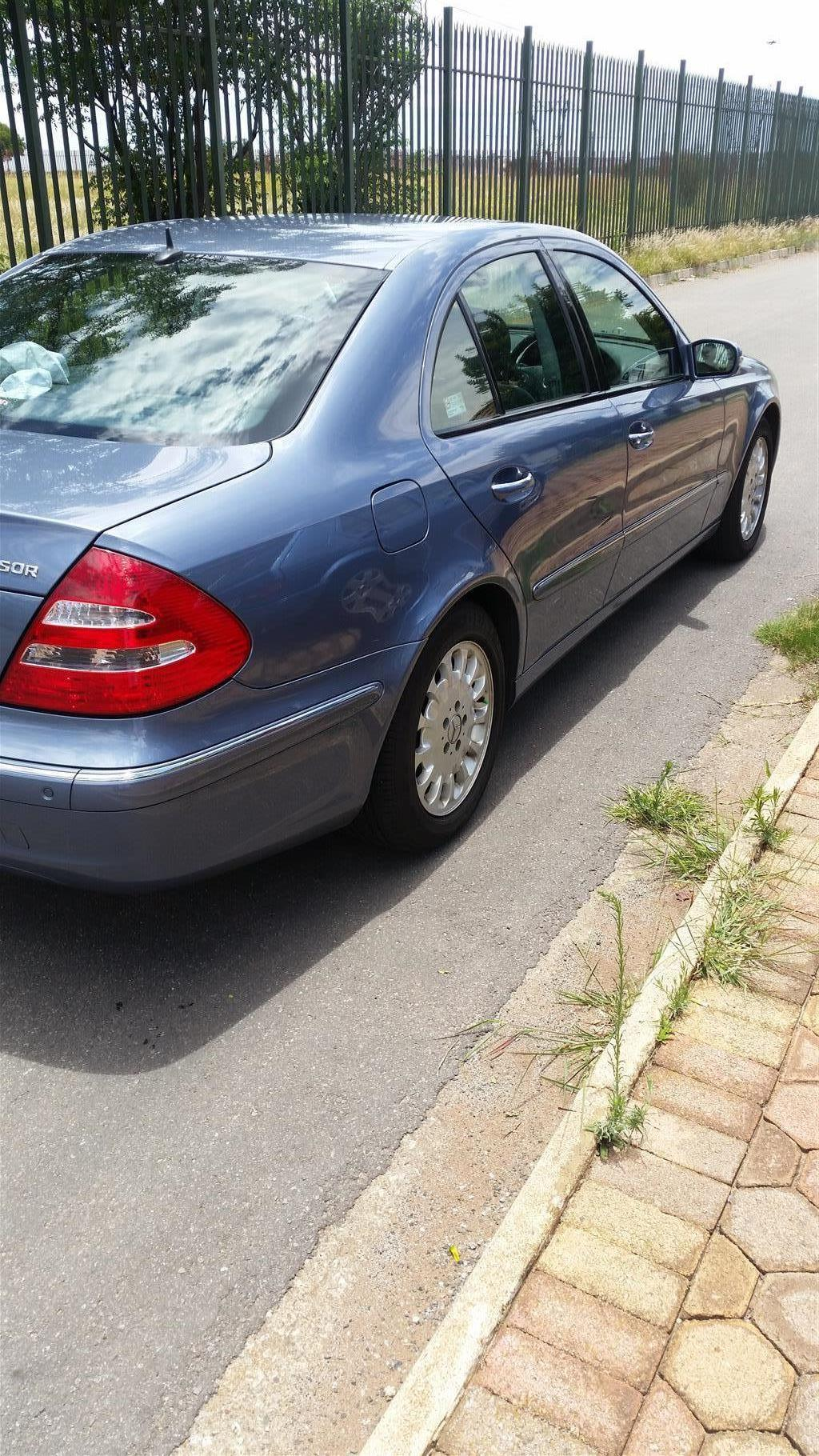 2006 Mercedes Benz E-Class sedan E 200