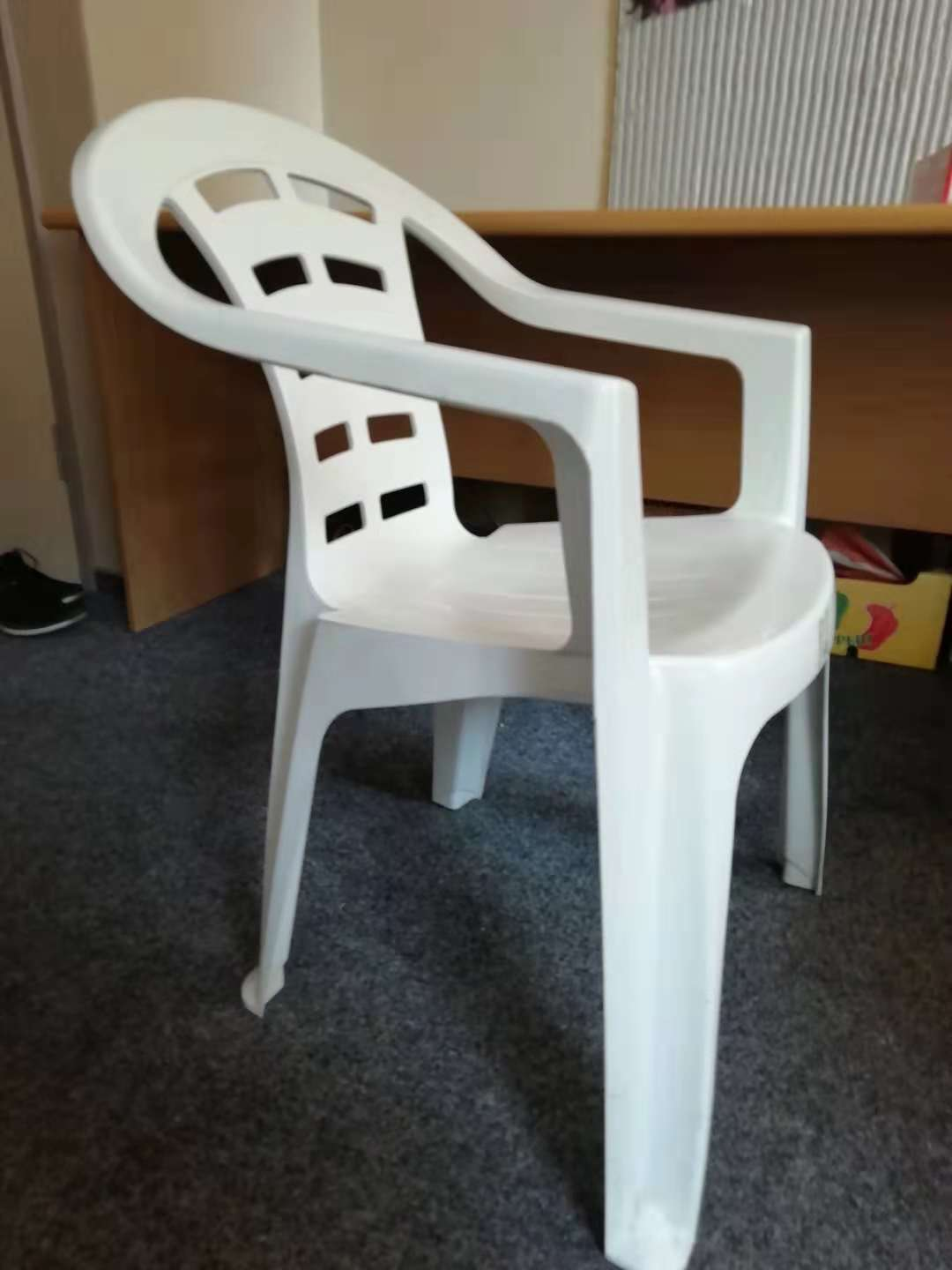 Used Plastic Chairs