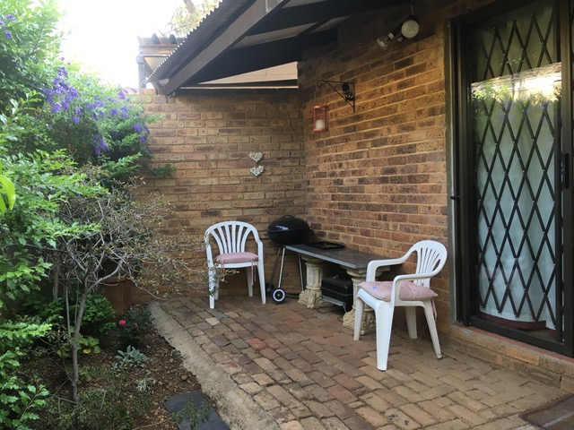 Garden Flat SINGLE Use Menlyn Pretoria