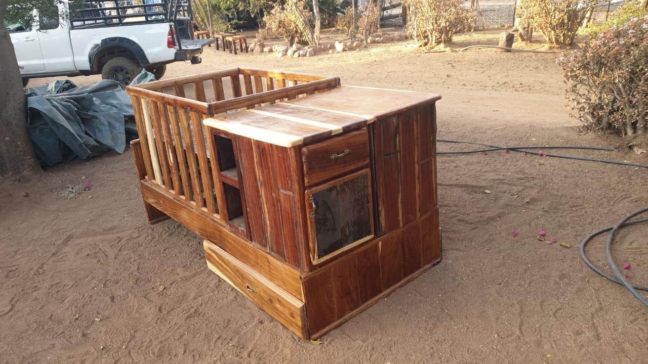 Kot, enkelbed, camping cot, laaikas, bedkassie 8500