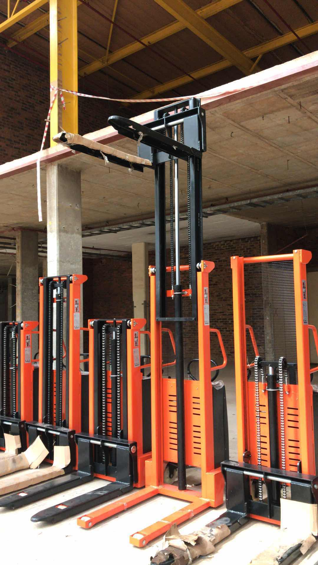 1.6M/2.0M/3.0M Semi-electric pallet stacker for sale