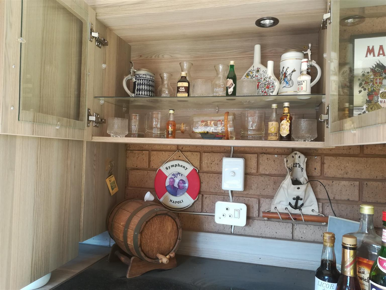 Bar fully stocked, utencials and glases