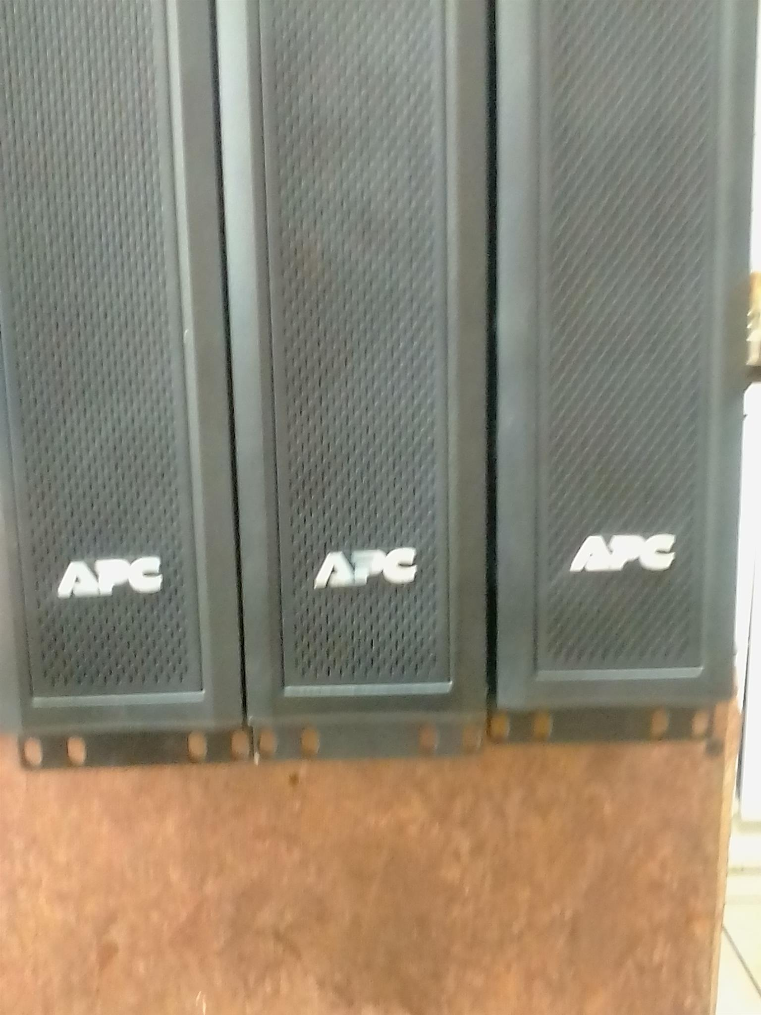 APC  Ups back up power for server or pc model SMX 1000