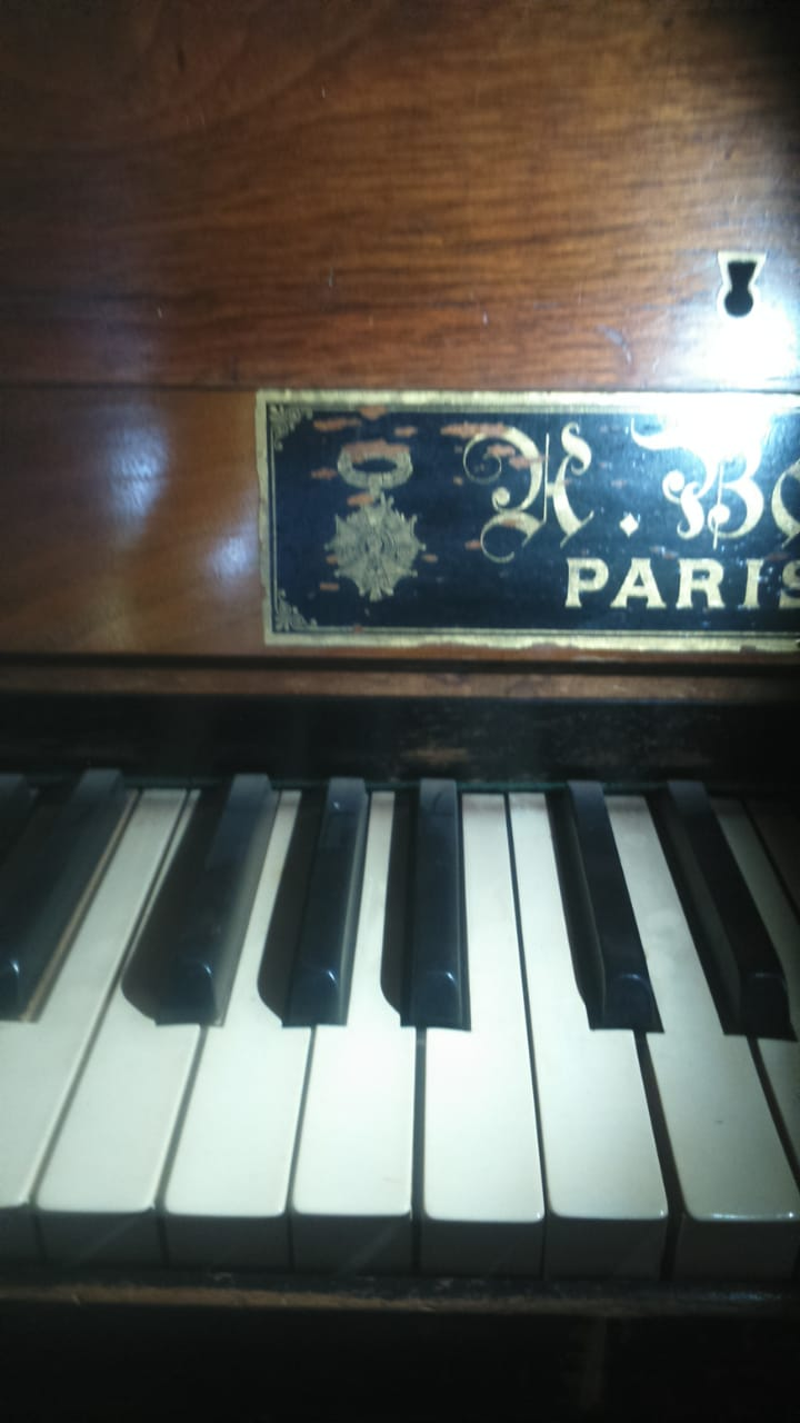 Piano / Cottage Upright PIANO 1892 model with S/N 78776 - BEAUTIFUL PIECE