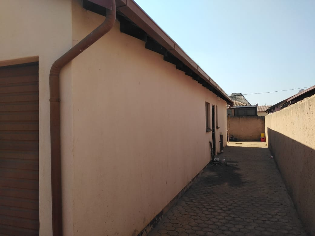 SOSHANGUVE BLOCK VV, 2 Bed Room Spacious house For Sale